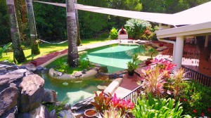 port-douglas-bnb-accommodation-pool-deck